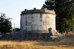 Altilia-mausoleo-di-Ennio-Marso
